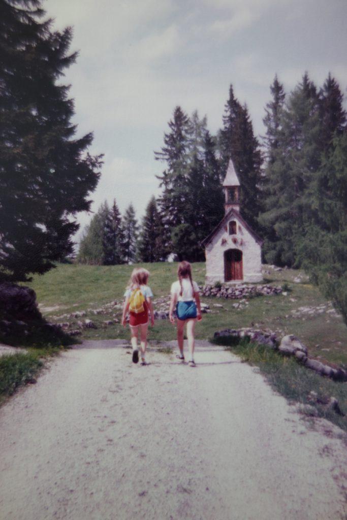Bettina_Auf dem Weg zum Straubinger Haus_1982