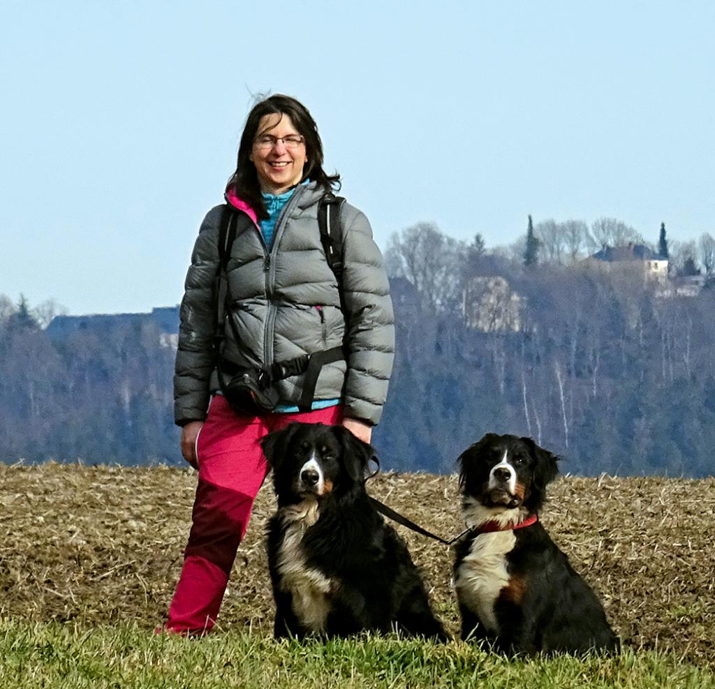 Franziska-Roessner mit ihren beiden Hunden Vreni und Selma