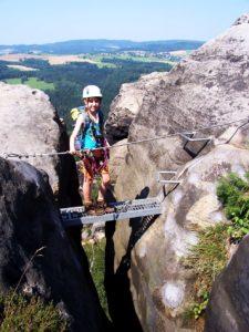 Wandern mit Kindern in den Felsen und Stiegen - im Elbsandsteingebirge, Häntzschelstiege, Foto: Kaj Kinzel