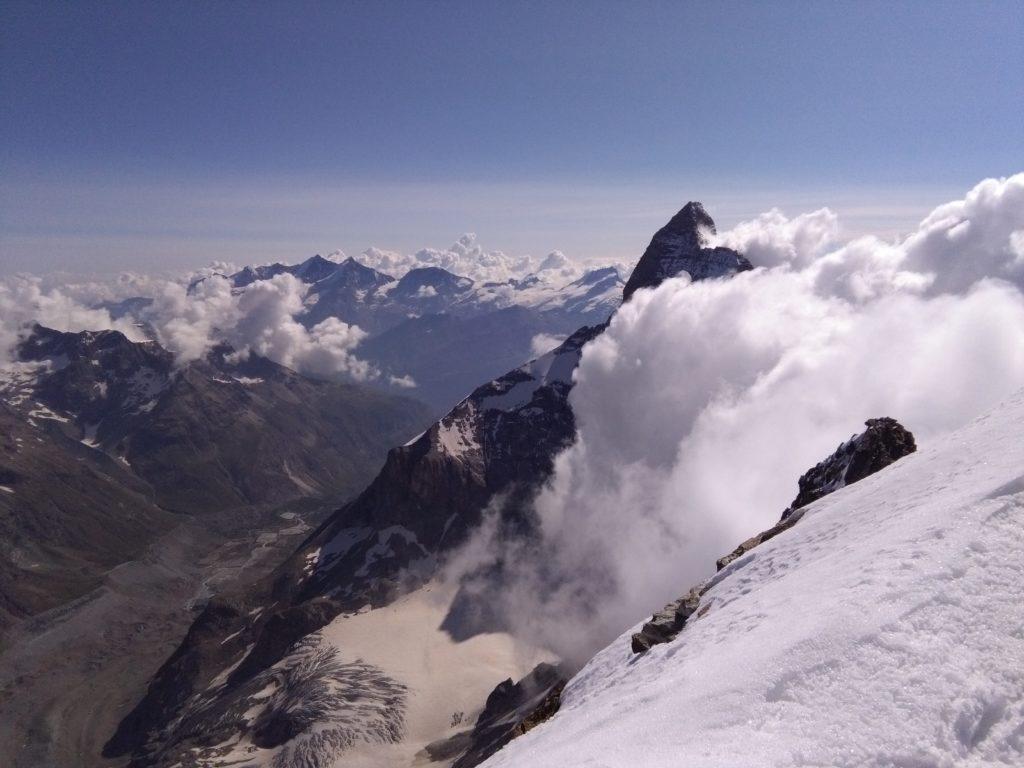 Auf dem Gipfel der Dent d'Hérens, Blick auf Matterhorn, Aostatal, Wallis, Viertausender, Hochtour